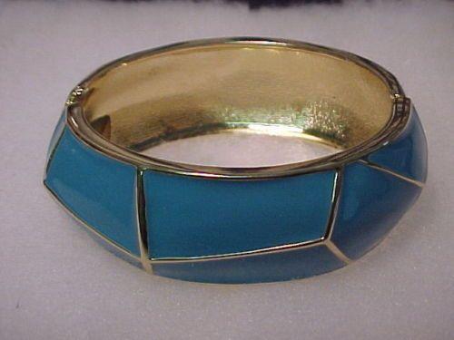 pulsera de esmalte azul